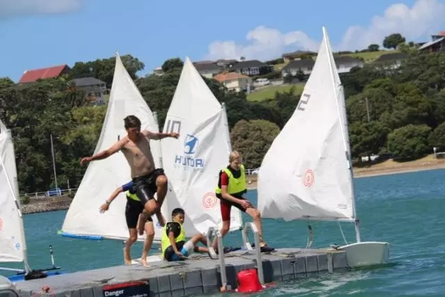 """新西兰,冬令营,御风者新西兰冬令营丨在奥克""""蓝""""的天空下航行"""