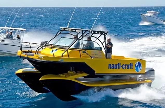 搭载水上液压悬浮系统的快艇Nauti-craft