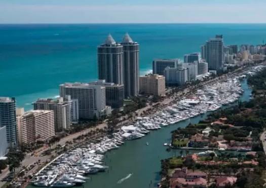 直击迈阿密海滩游艇展:Burgess参展游艇