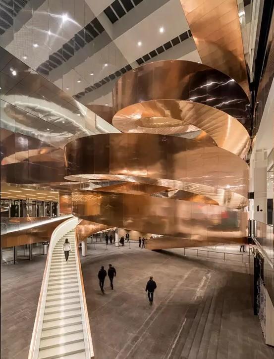 再度领略丹麦的实验科学中心之巨型铜楼梯