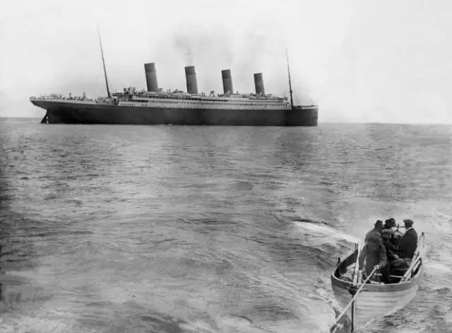 一百年前上流社会的奢华邮轮生活照片 泰坦尼克号也不算啥