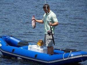 充气钓鱼船的安装运用