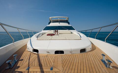 游艇上木板缝隙如何清洁保养?