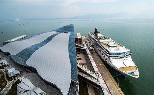 上海宝山成亚洲最大邮轮母港 半年接待出入境游客127万人