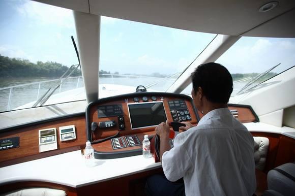 如何在上海驾驭私人游艇
