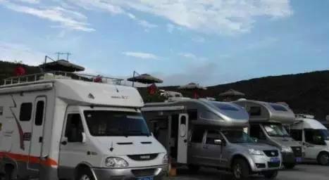 自驾游与房车露营