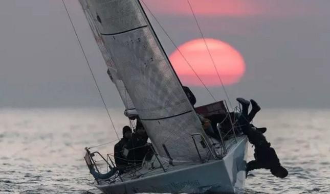 好玩了!中国首届帆船全明星对抗赛