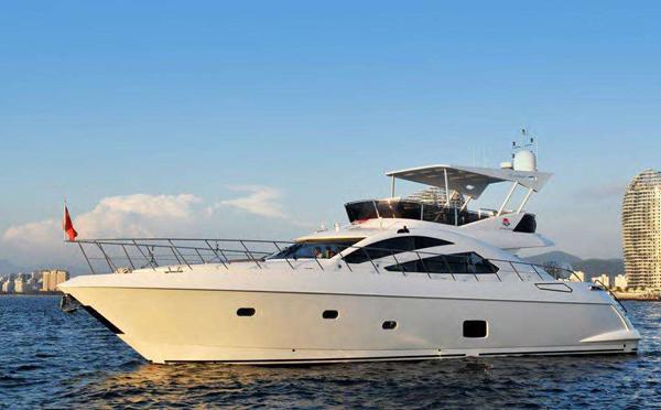 玻璃钢游艇船体外表日常保养与维护常识