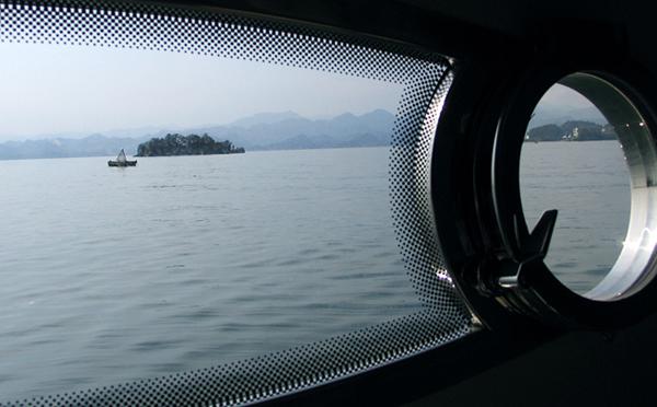 如何处理游艇窗户漏水问题?