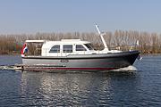 伟勒游艇:荷兰林森游艇Linssen 29 Sedan