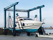 伟勒游艇:美国MTI游艇龙门吊