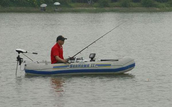 选购充气钓鱼船需要注意什么?