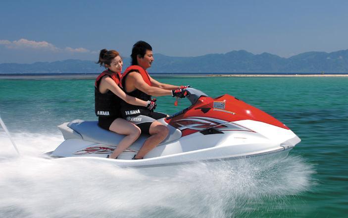 新购摩托艇下水前需注意的事项