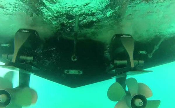 游艇螺旋桨故障应该如何处理?