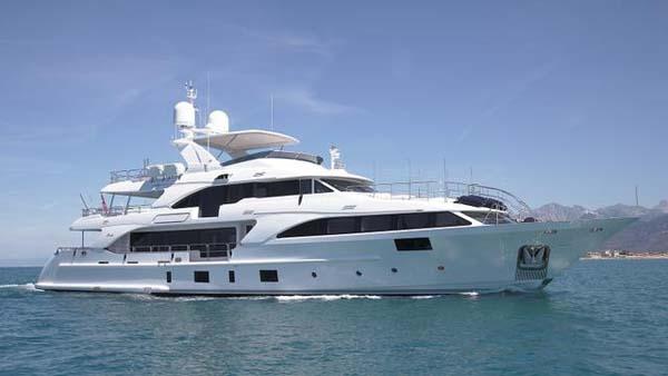 Benetti交付36.9米经典游艇Lady Lilian