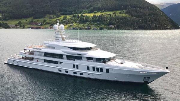 Amels揭示了LE242游艇New Secret细节