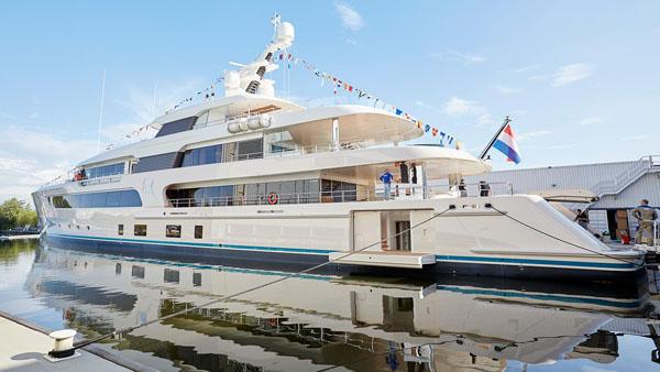 Feadship推出其最新69米超级游艇Samaya