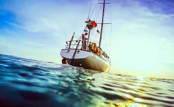 这也是帆海的魅力之所在,我们远离都市喧嚣,在她的王国扬帆奔驰