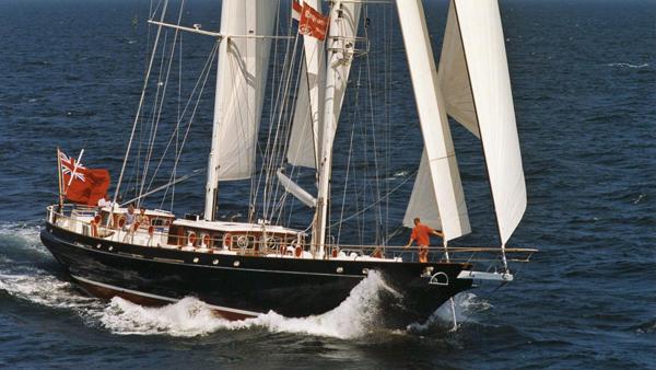 Claasen造船厂对30米帆船游艇Reesle进行改装