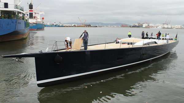 第一艘Southern Wind 105游艇启动 并命名为Satisfaction