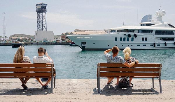 巴塞罗那 Amels制造的船艇Z