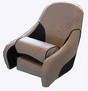 豪华带可翻转座垫椅子