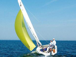 珐伊19龙骨型帆船